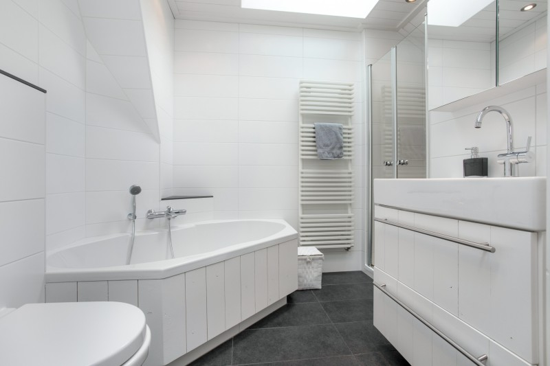 Daglicht creëren in een inpandige badkamer